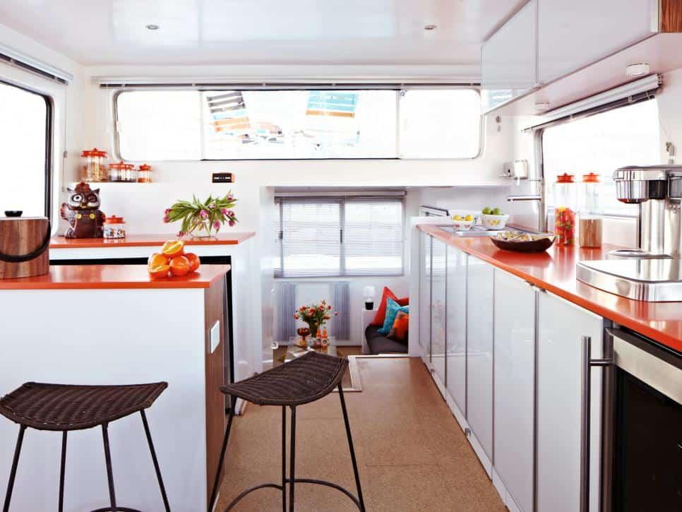 Retro bright kitchen countertops