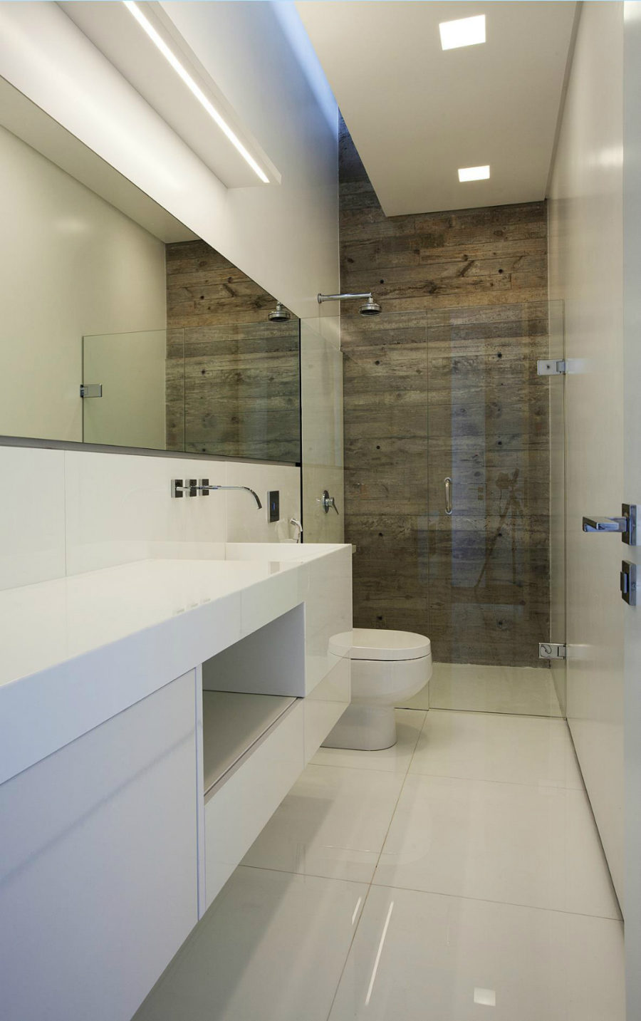 Small bathroom at LM Residence in-Curitiba