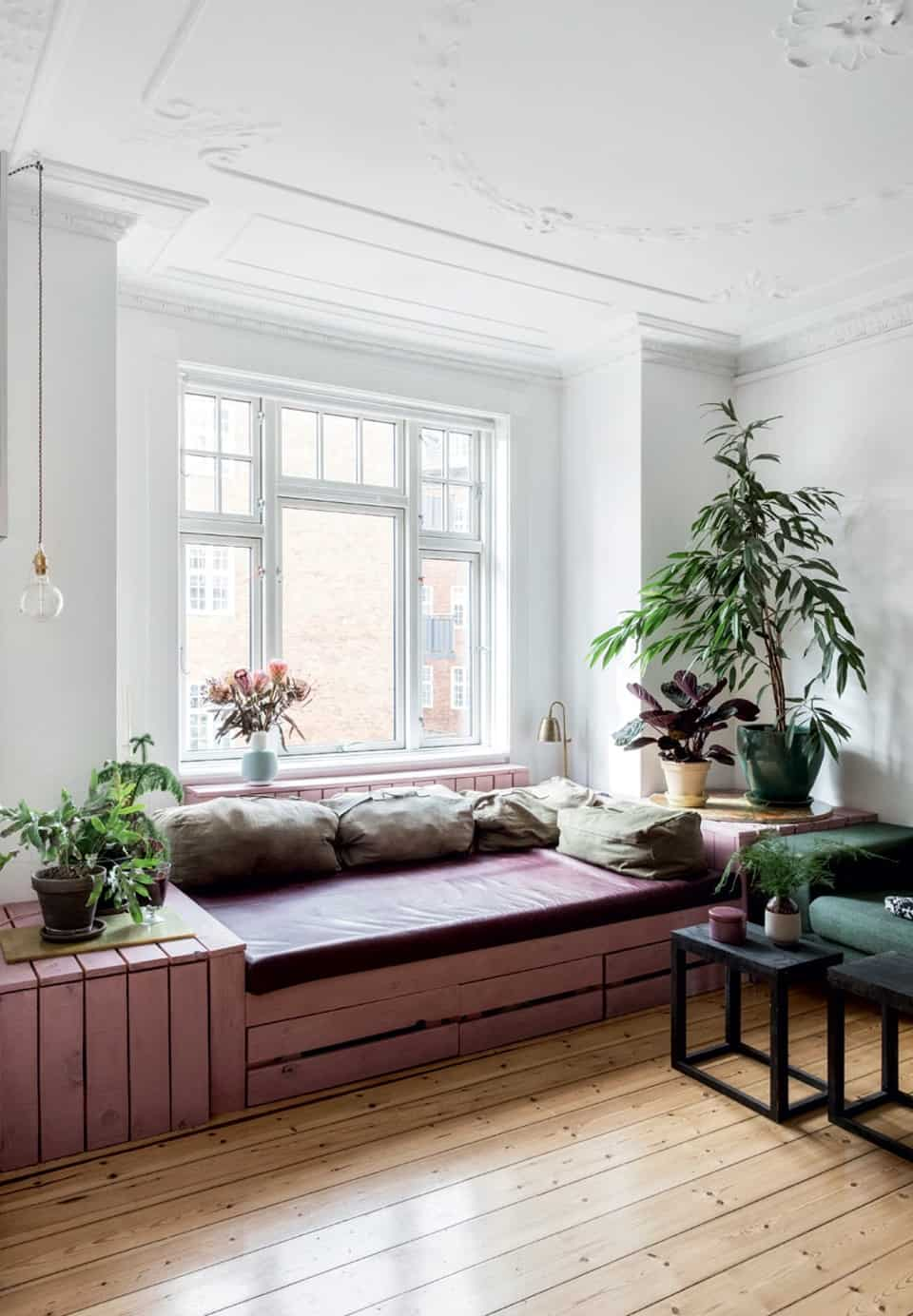 Spacious window seating