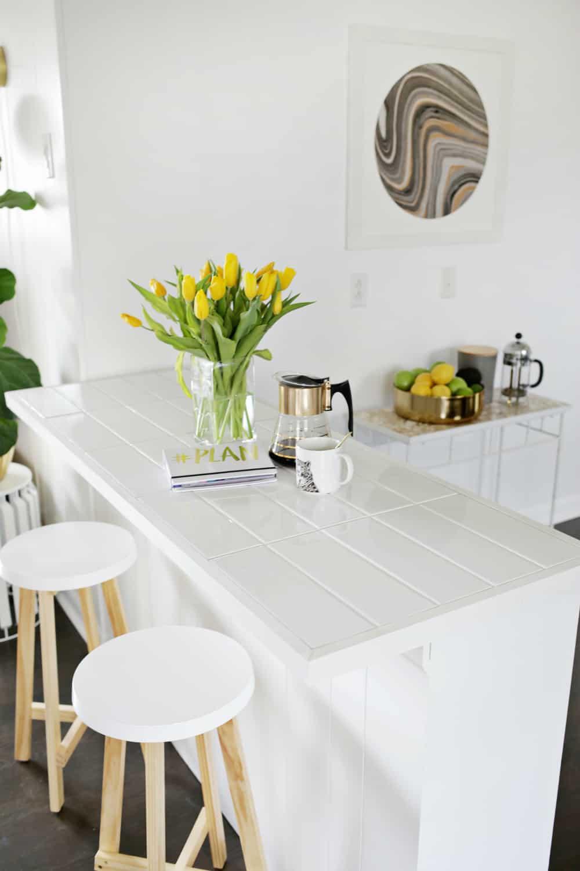Tiled breakfast countertop