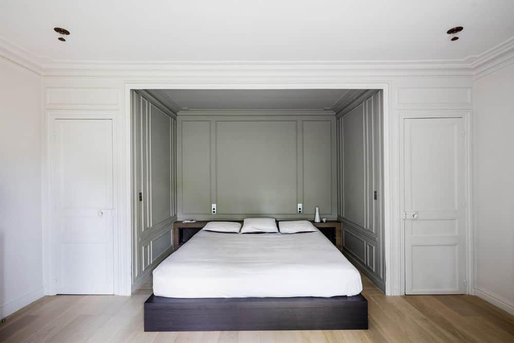 19th century house bedroom