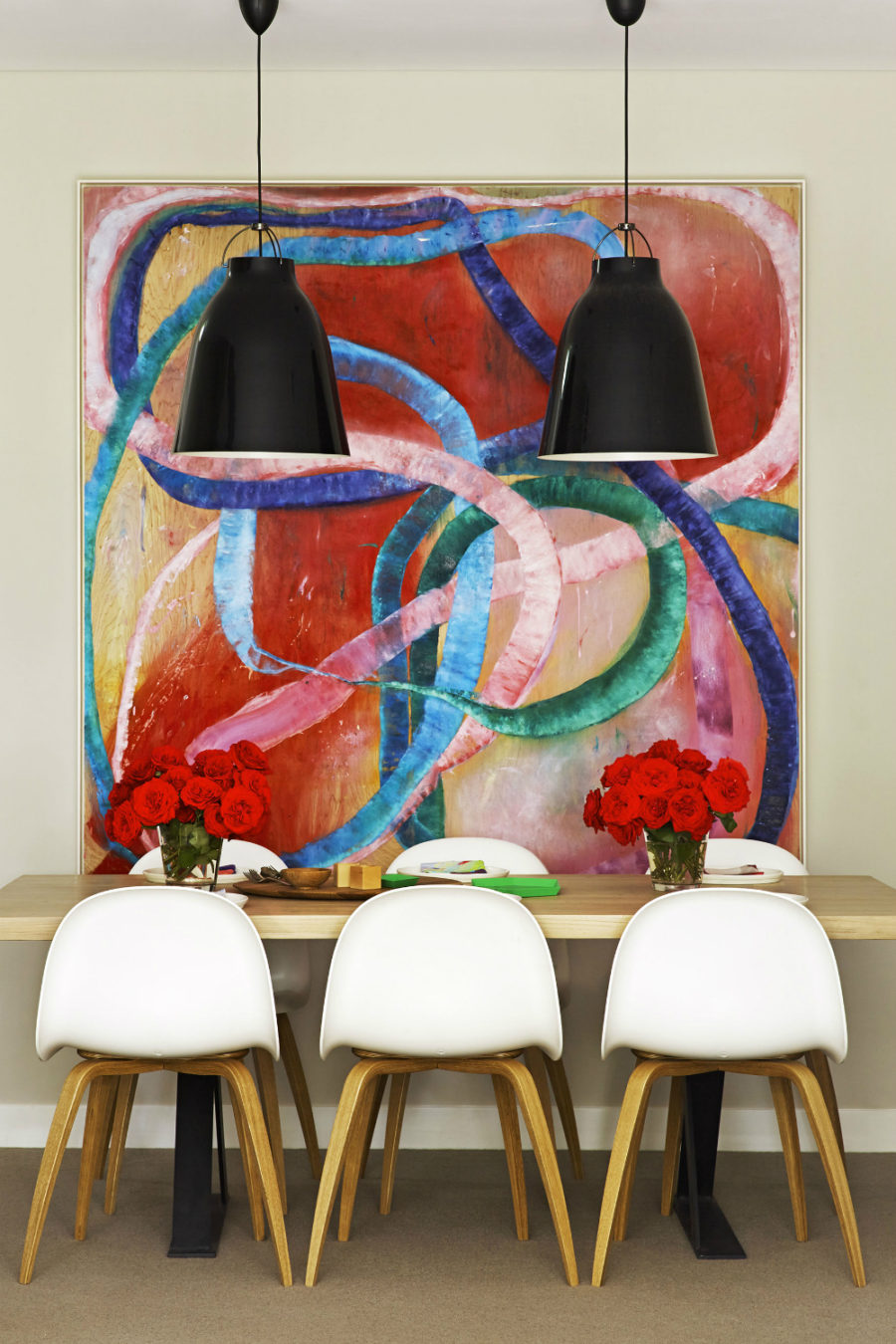 Arent and Pyke apartment dining room 900x1350 20 Dining Rooms Featuring Artworks That Make All The Difference
