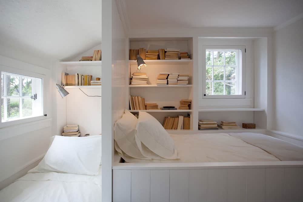 Built-in beds and shelves