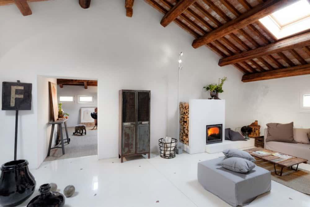 Ca' Spineda living room