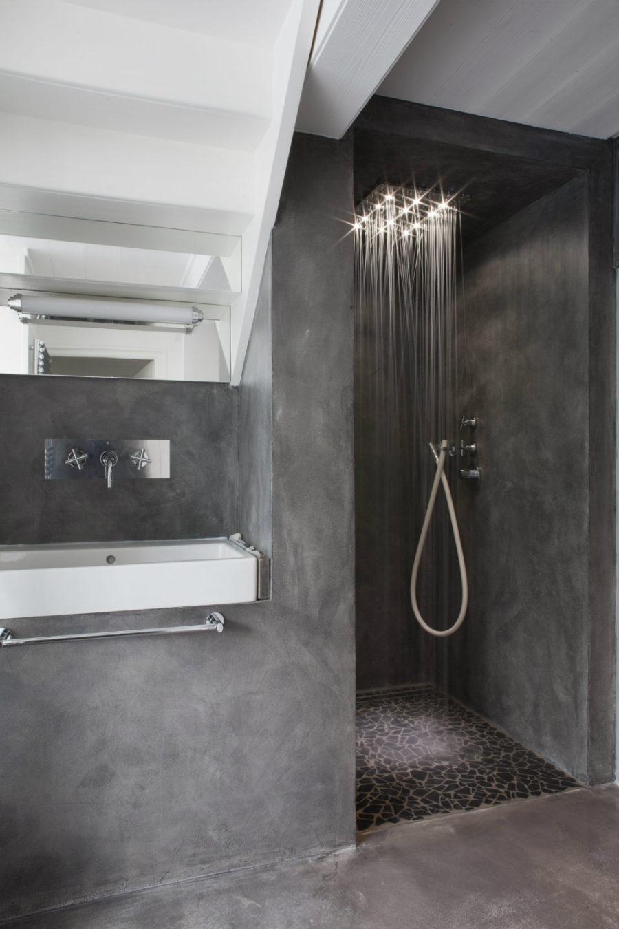 Concrete rain shower