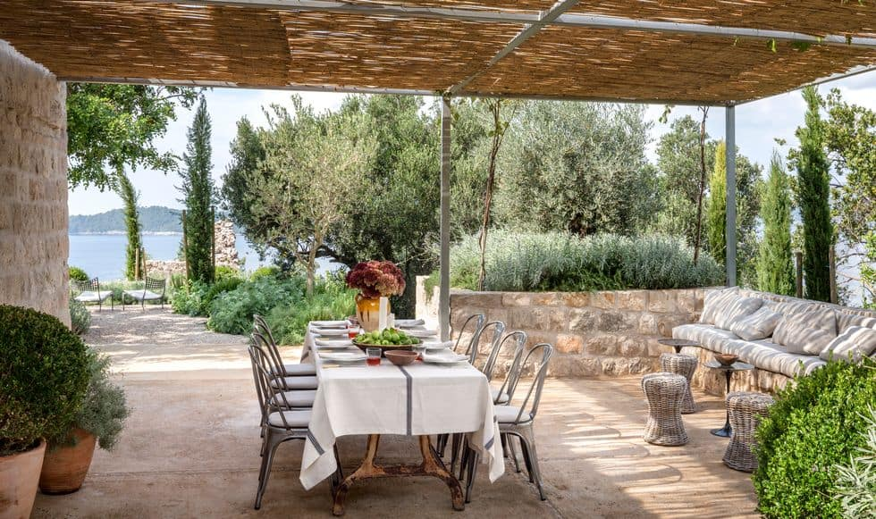Dalmatian House outdoor dining room