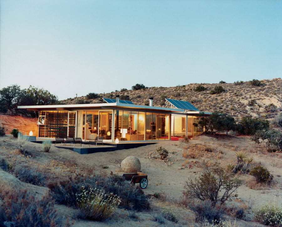 Desert house by Taalman Koch Architects