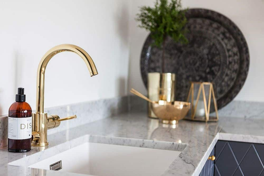 Golden hardware is the latest kitchen trend
