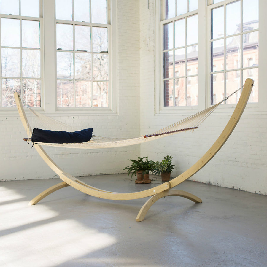 Indoor hammock ideas for year round summer atmosphere for Balcony hammock