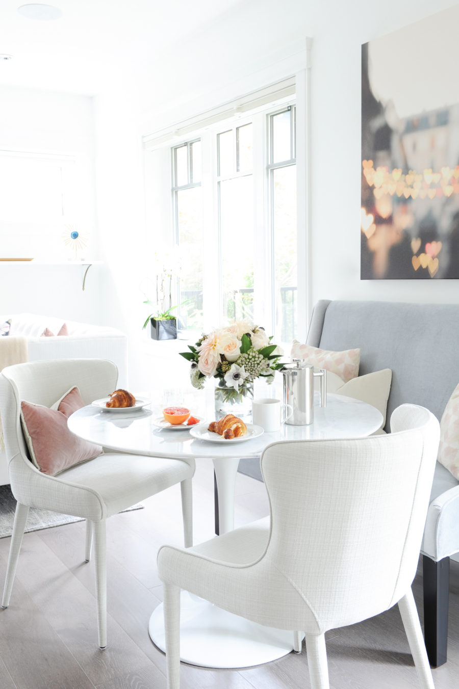 Modern Breakfast Nook Ideas That Will Make You Want to Become a ...