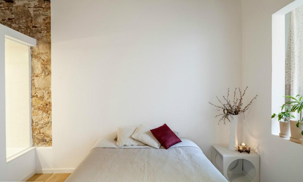 Les Corts apartment bedroom
