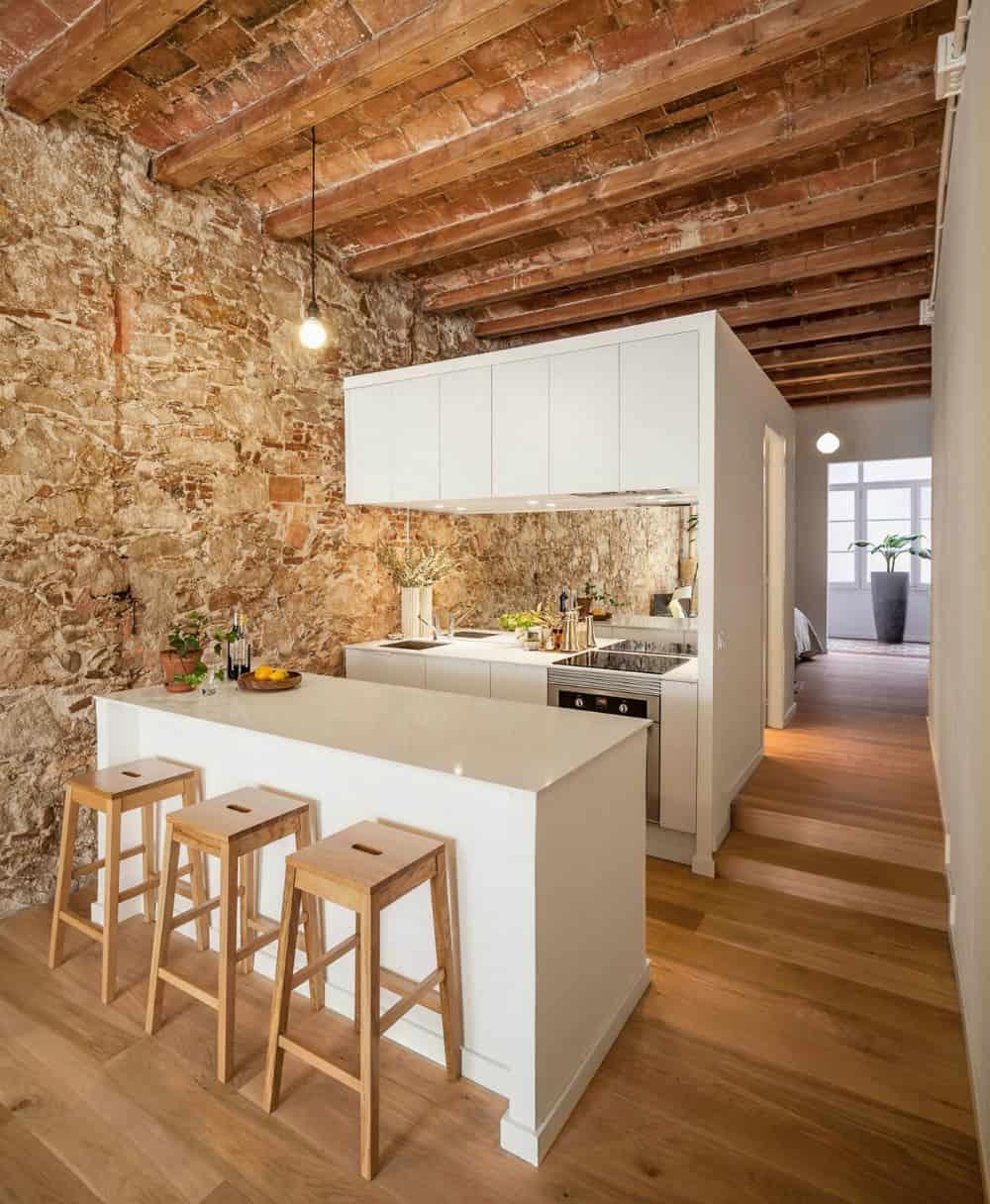 Les Corts apartment kitchen
