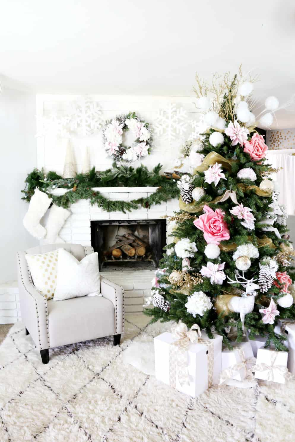 Modern christmas decor ideas are all style and chic for All modern accessories