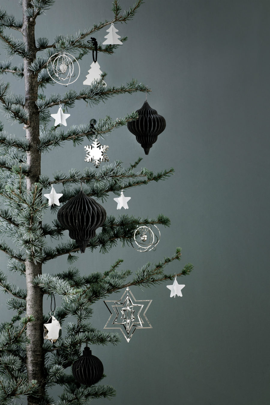 minimalist christmas tree decorations - Modern Christmas Tree Decorations