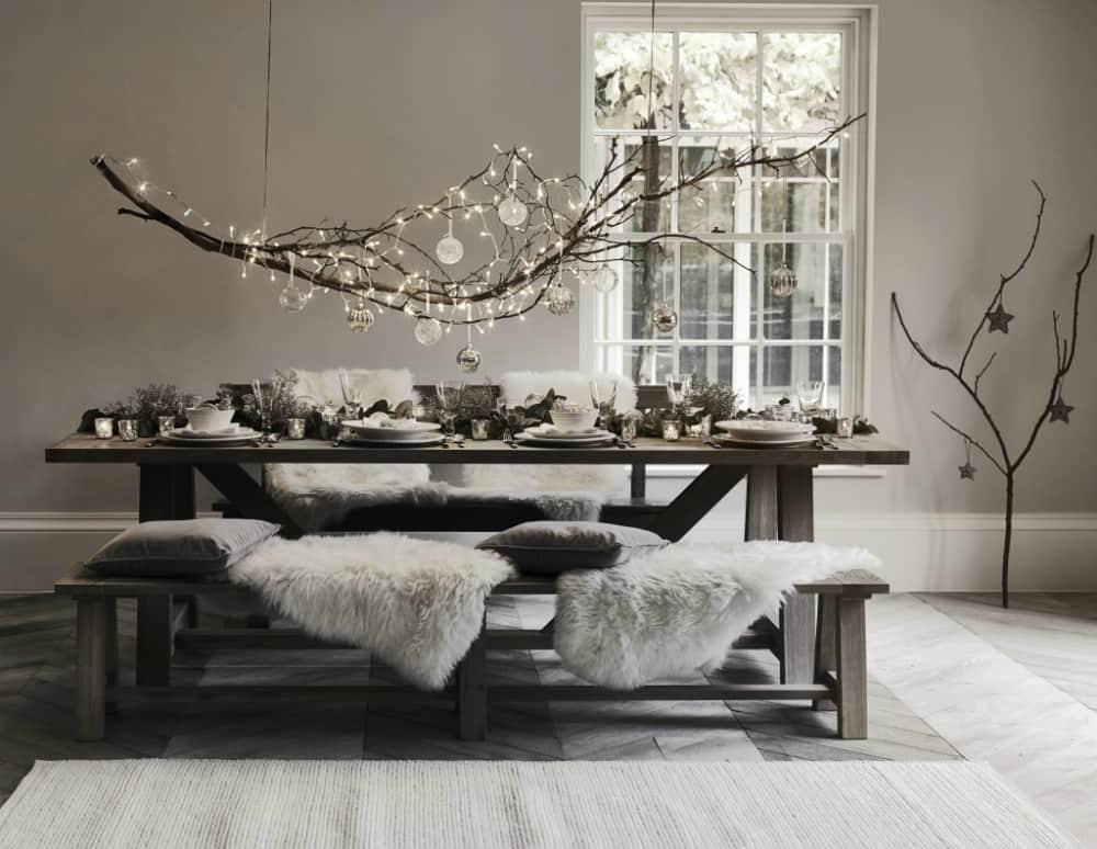 Modern Christmas table decor