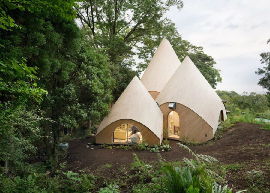 Modern Teepees 900x643 Teepee Shaped Home Complex in the Mountains of Japan