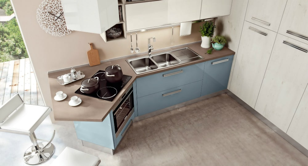 SWING Kitchen with peninsula by Cucine Lube