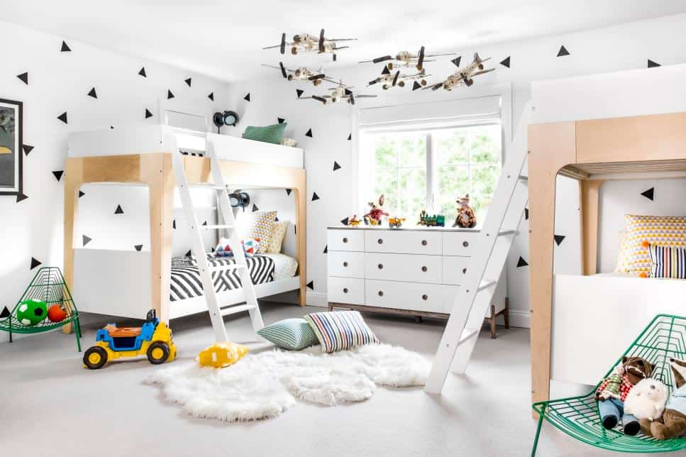 Shared kids bedroom by Chango and Co.