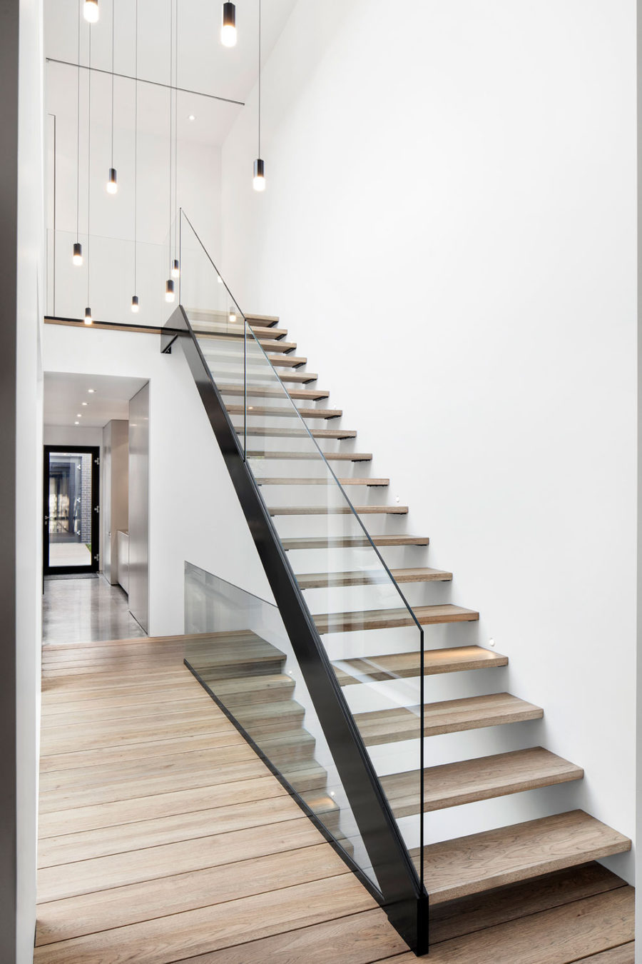 Sleek contemporary staircase