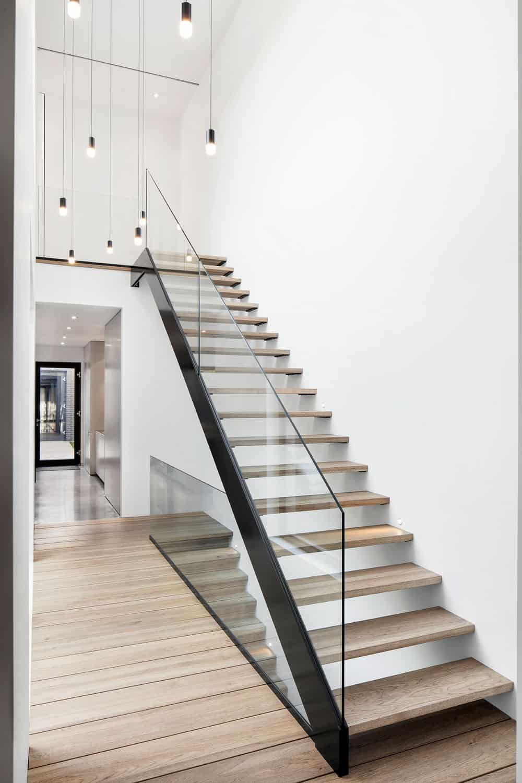 Sleek contemporary staircase