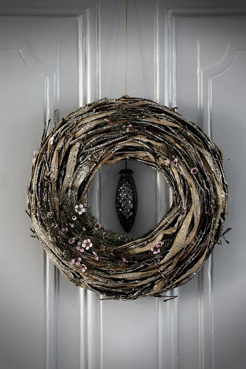 Tasteful modern Christmas wreath