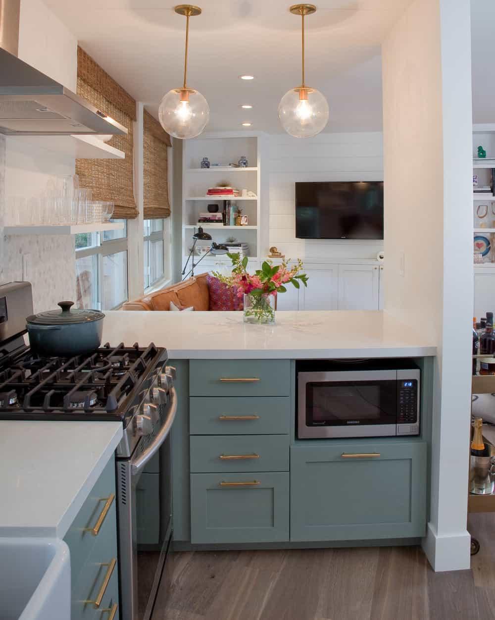 Tiny kitchen peninsula