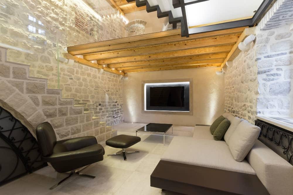Villa Monja media room