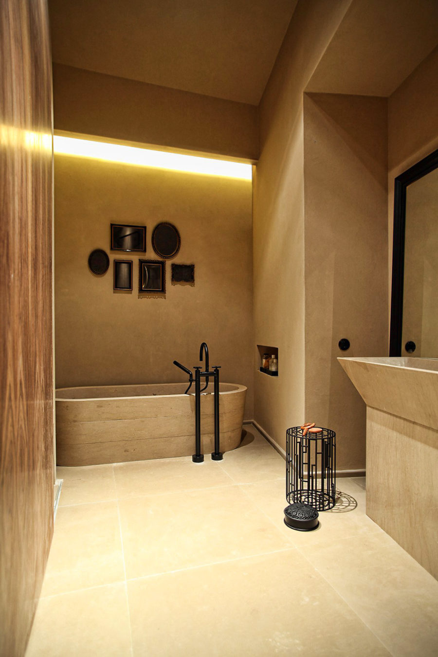 Make your home beam and glow with built in lighting for Bathroom lighting trends 2016