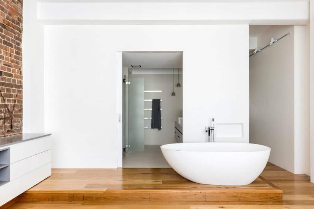Bedroom's freestanding bathtub