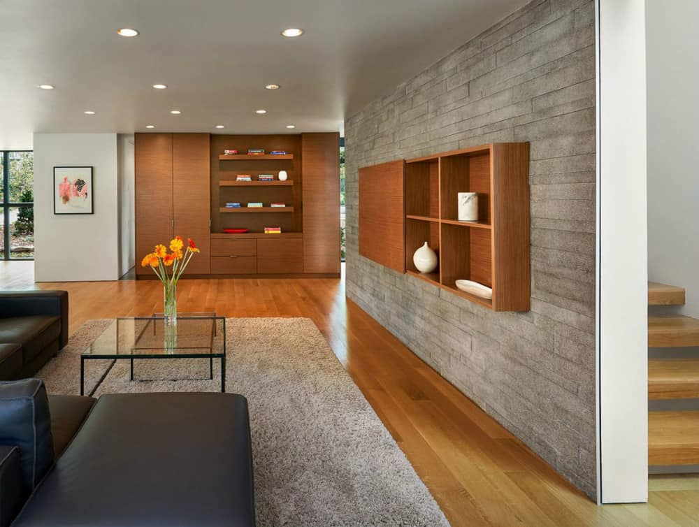 Both kitchen and living room are very storage-friendly