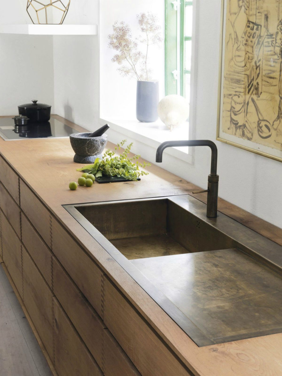Modern kitchen sink designs that look to attract attention for Contemporary kitchen sinks ideas