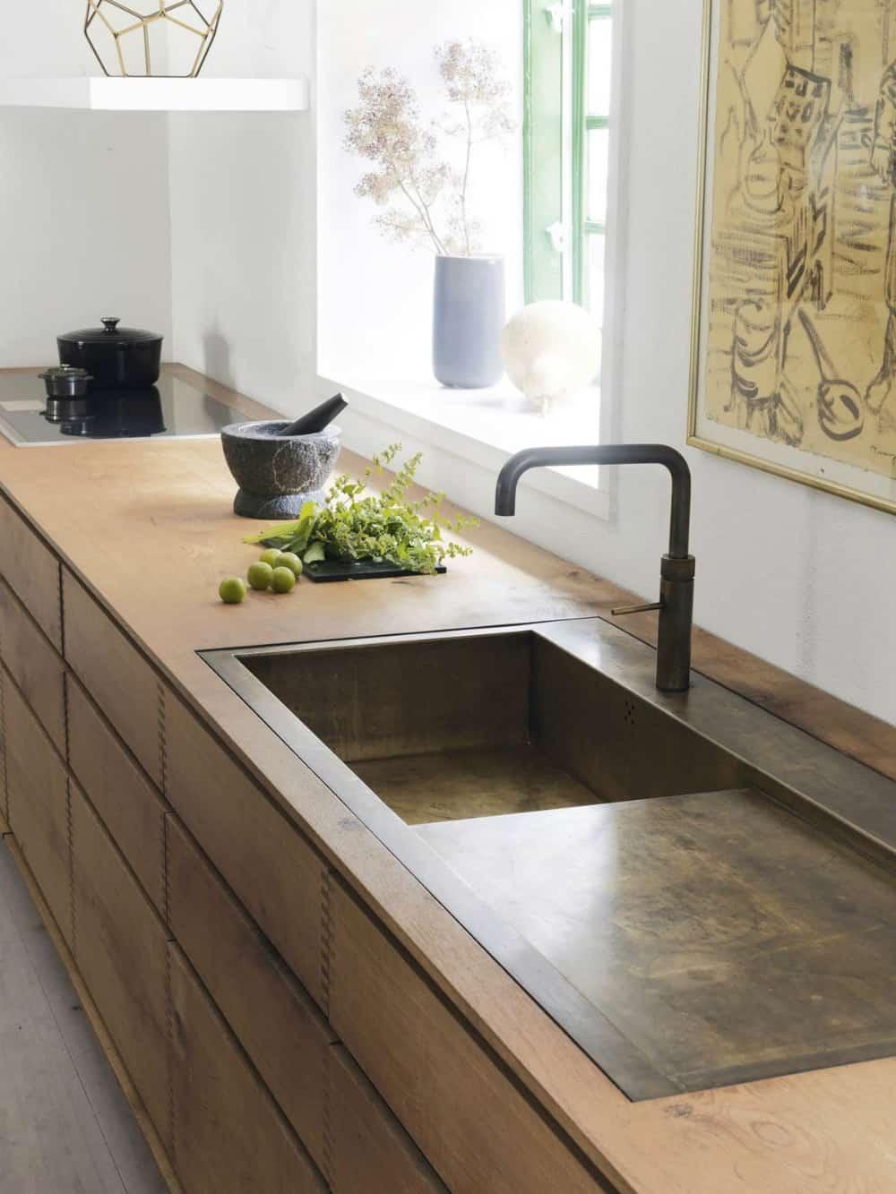 Brass sink