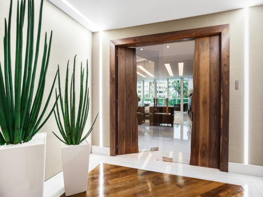 Cool modern hall by 2id Interiors