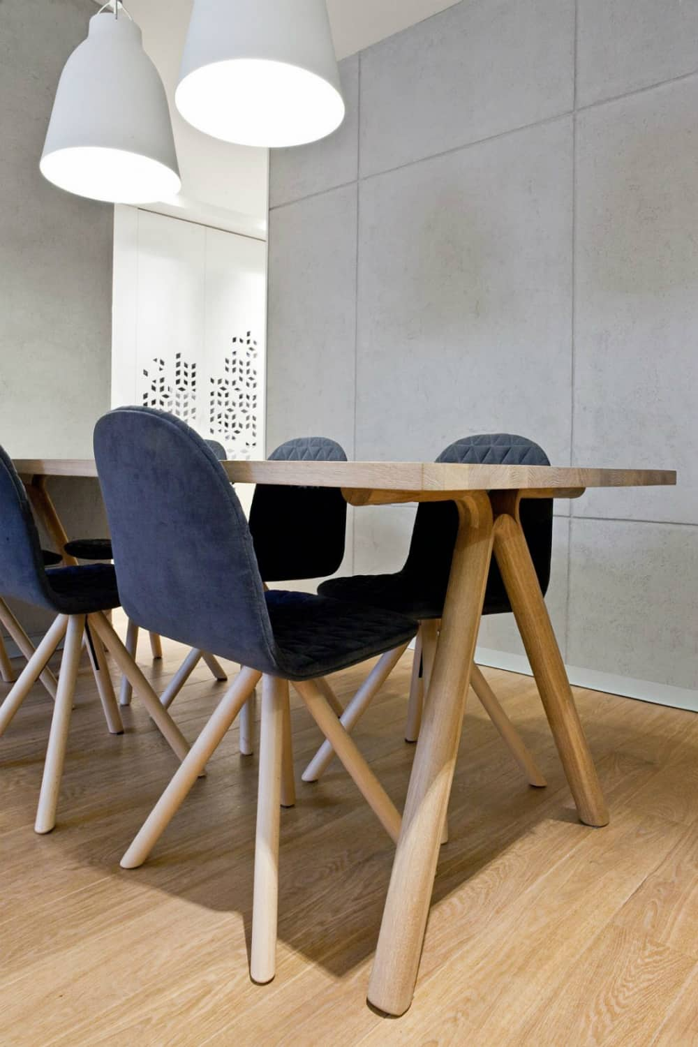 Dining set is positively mid-century modern