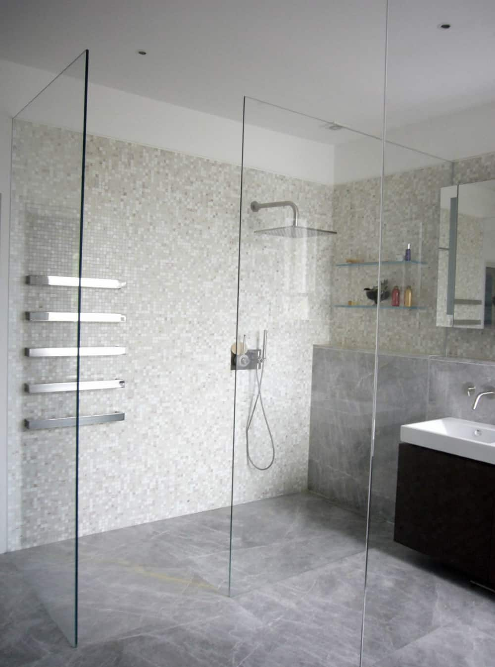 Generous shower stall