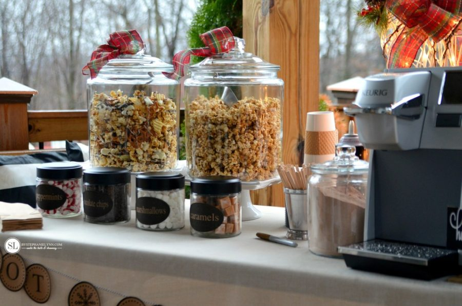 Christmas Kitchen Decor With Hot Cocoa And Popcorn Bar