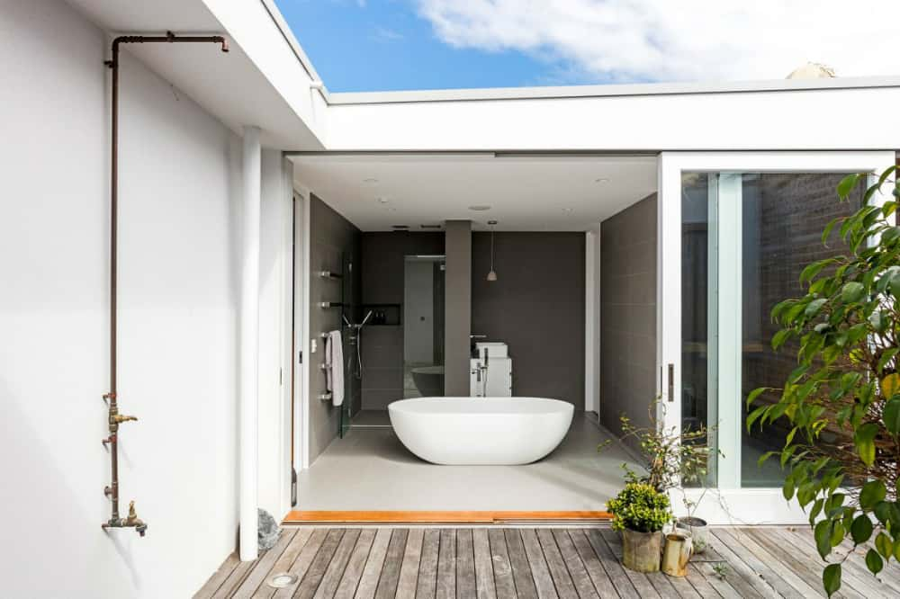 Indoor-outdoor bath
