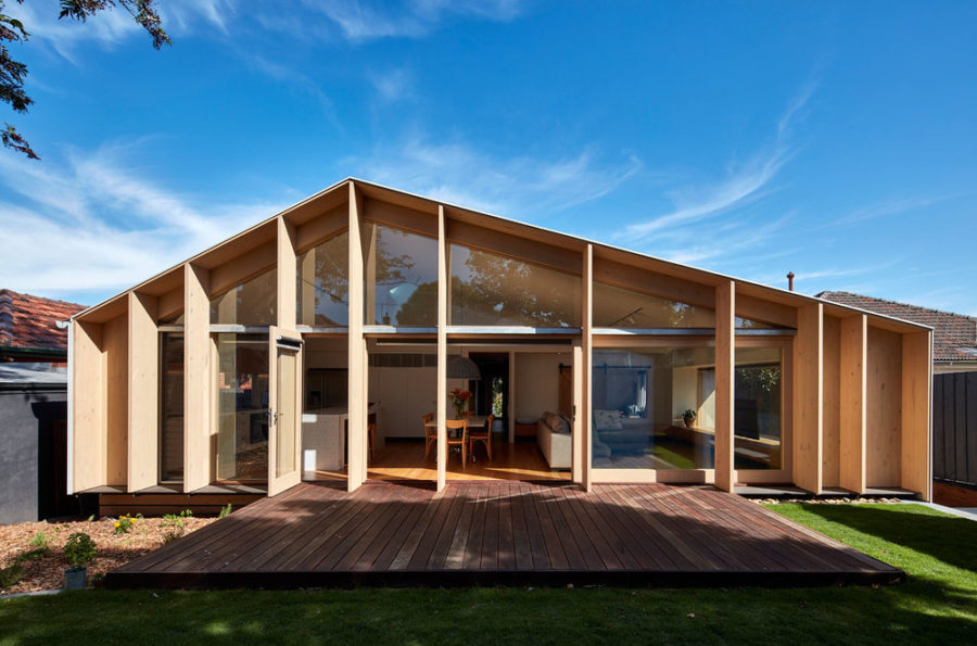 Lean to House 900x595 Breezy And Cool 1960s House Extension in Melbourne