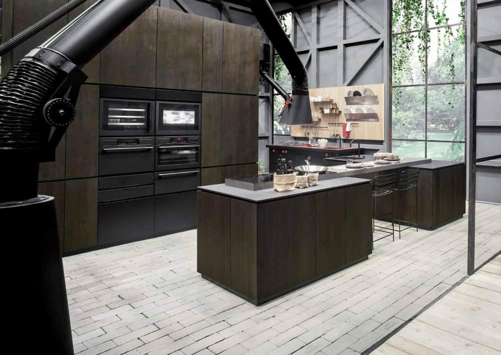 Mammut floor kitchen hood by Minacciolo