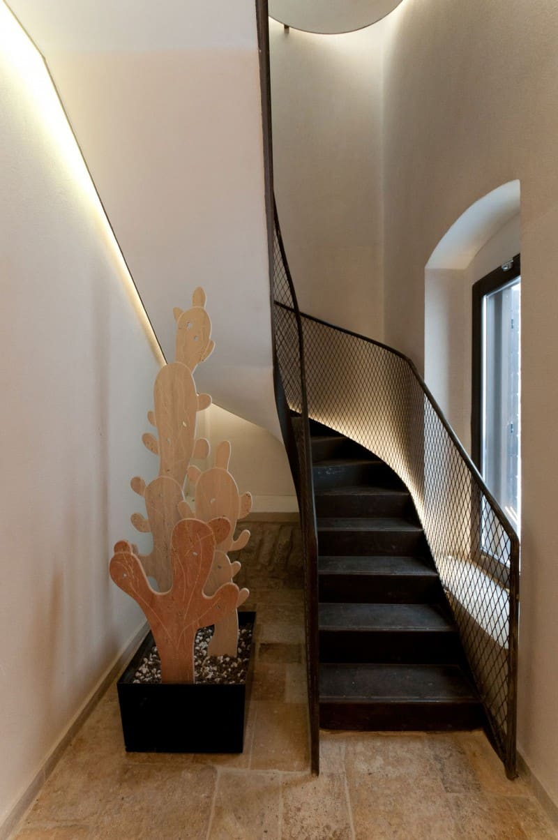 Metallic staircase