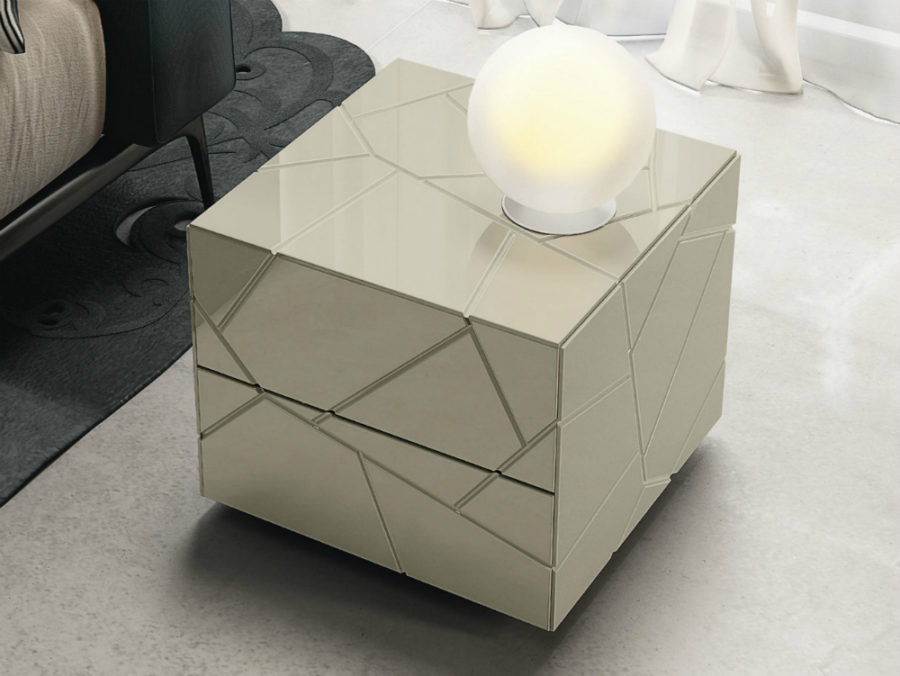 Segno nightstand by Riflessi