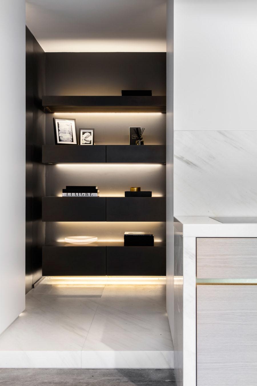 Shelf lighting by Obumex