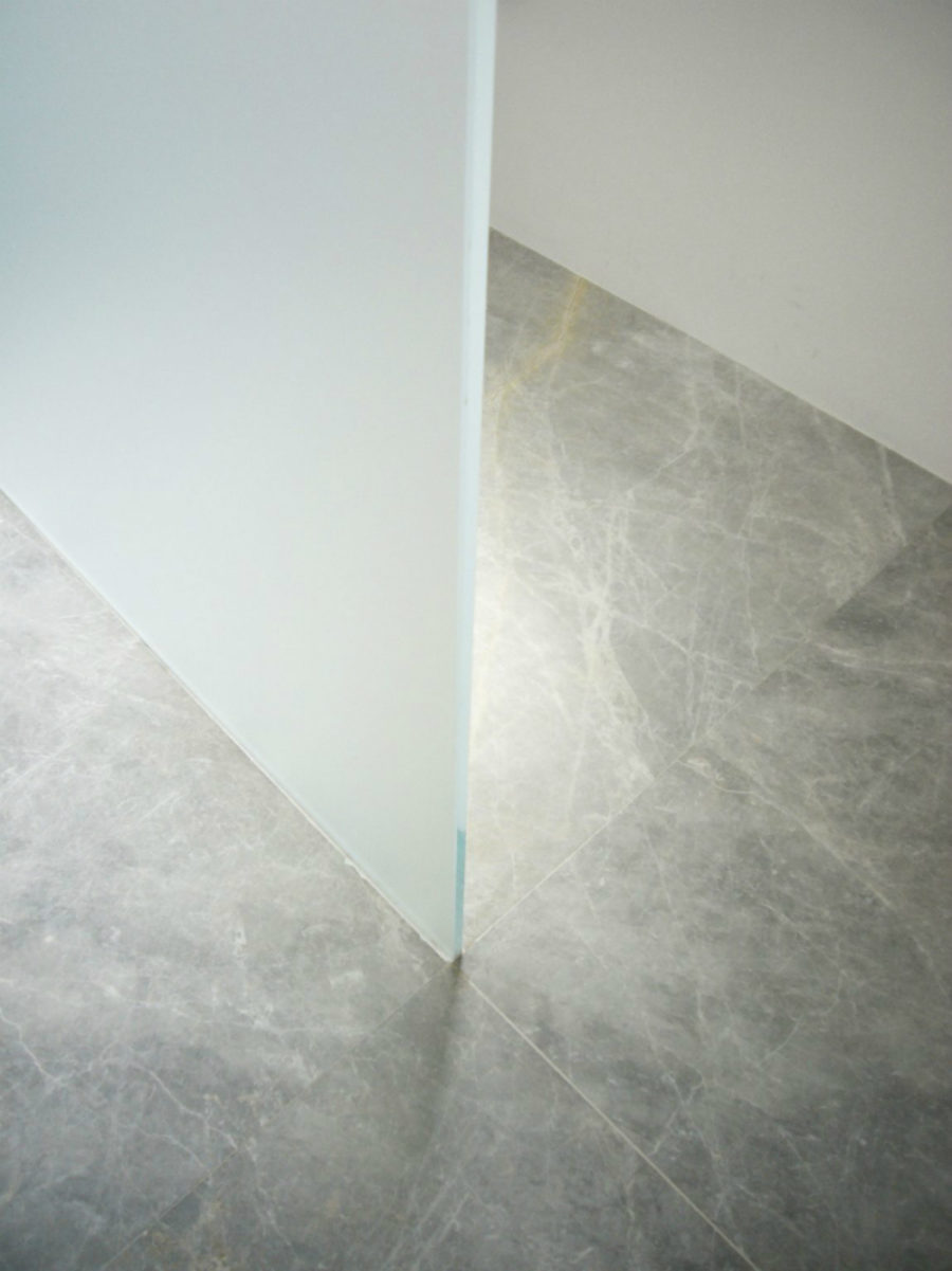 Veiny grey stone floor