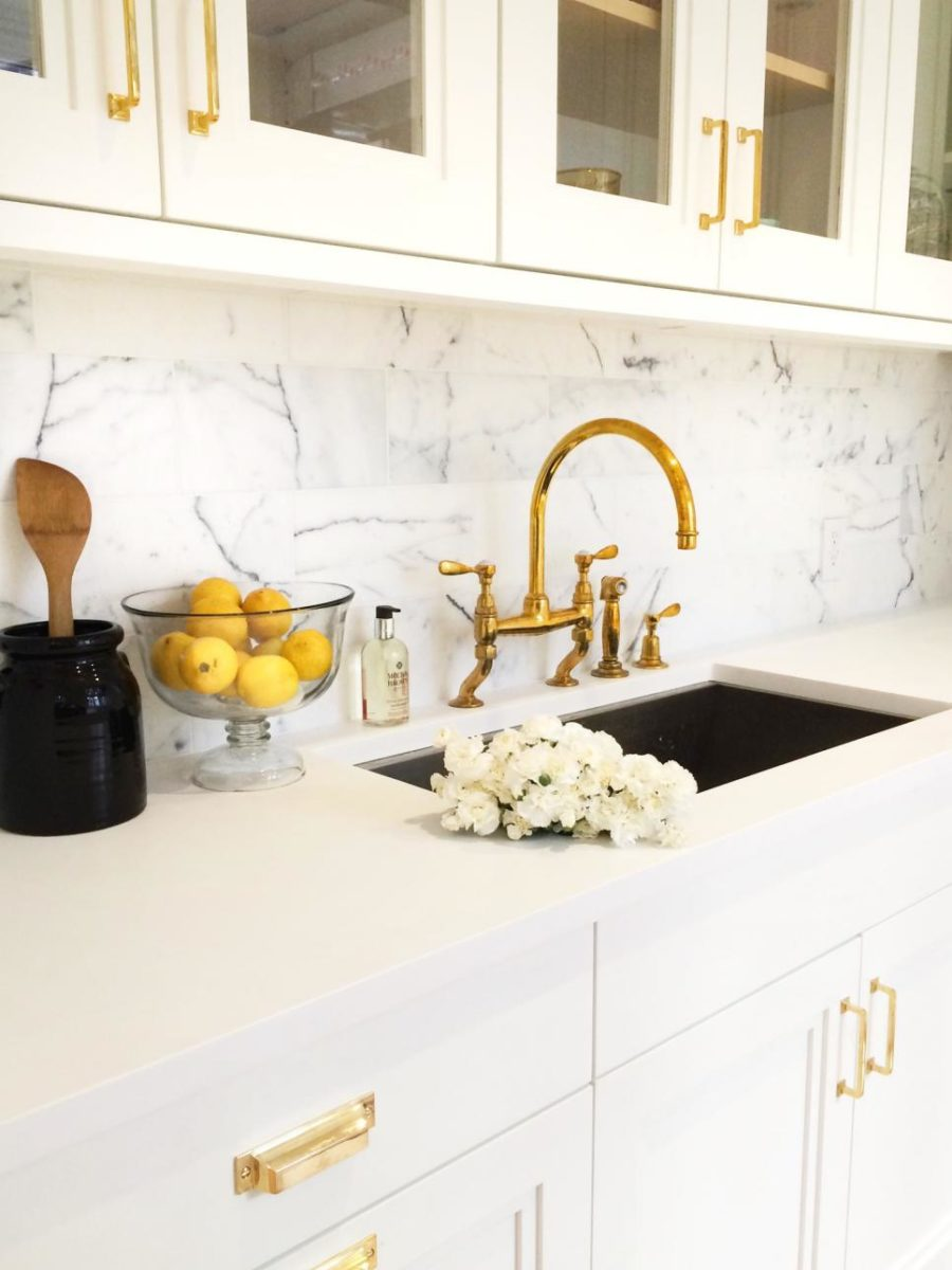 exclusive sink and cabinets in ultramodern kitchen | Modern Kitchen Sink Designs That Look to Attract Attention