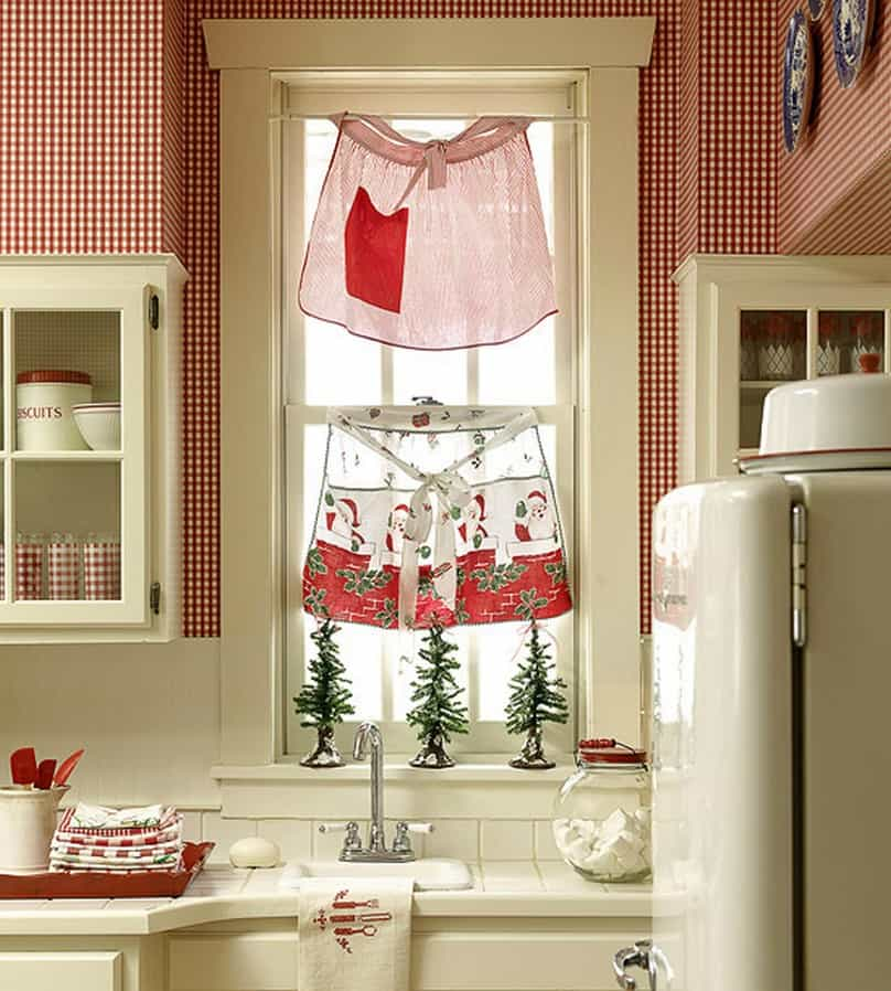 Country Kitchen Adorable Aprons As Curtains