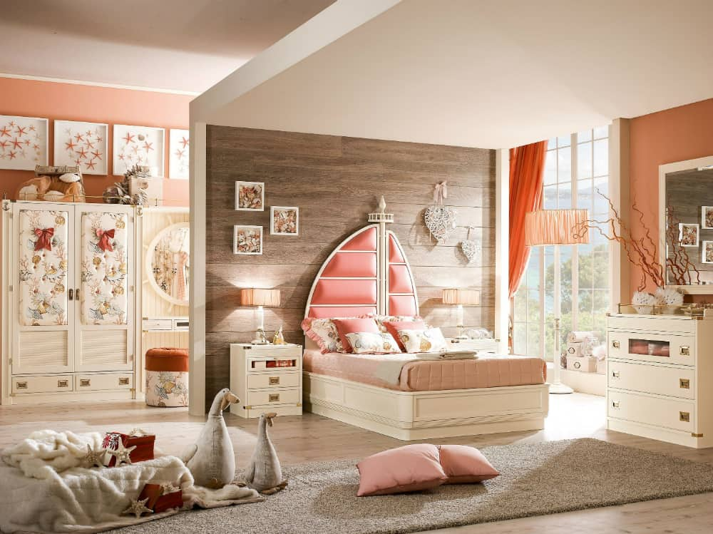 Ariel bed by Caroti