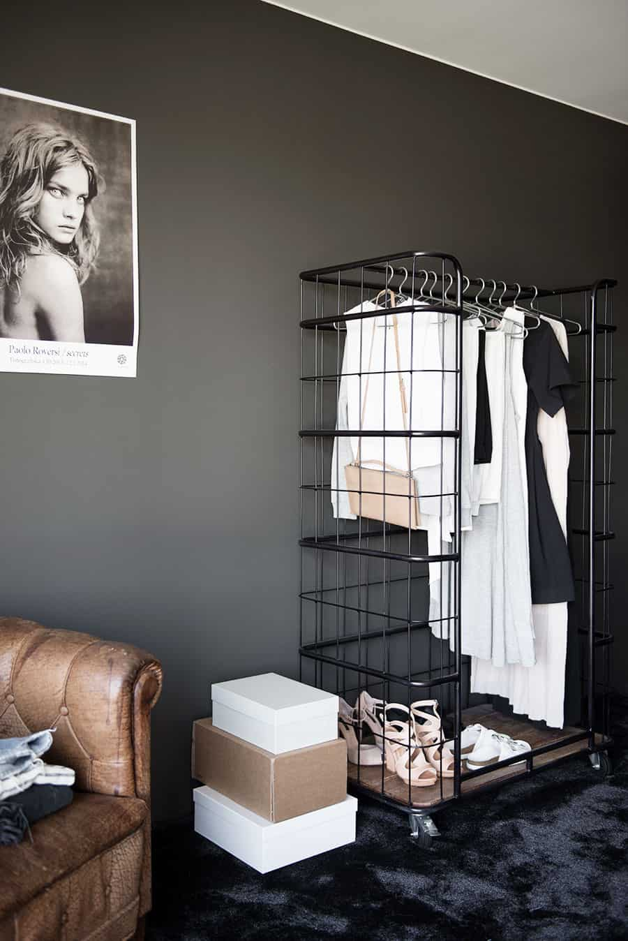 Cage clothes rack
