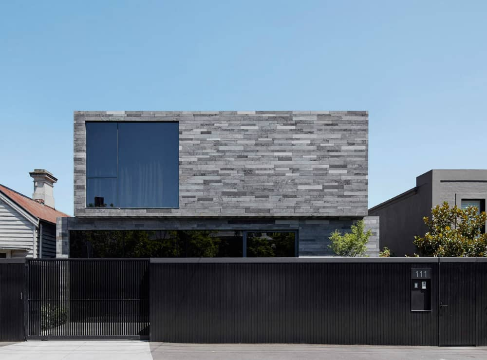 Canterbury Road Residence by b.e architecture
