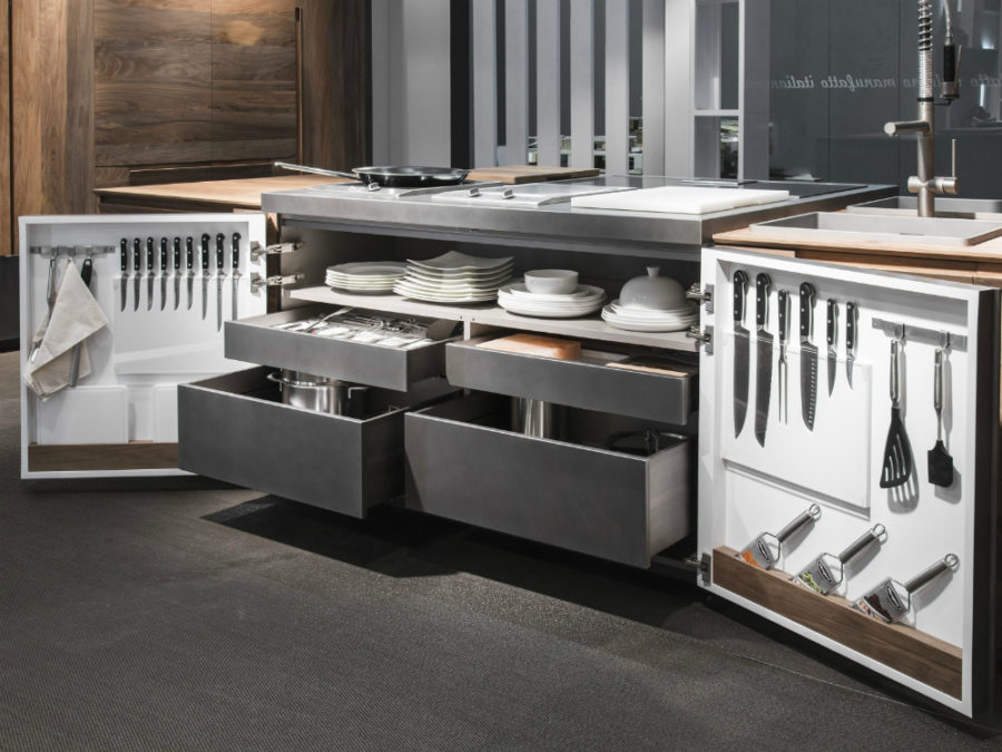 Chef de Cuisine storage-friendly kitchen island by Toncelli Cucine
