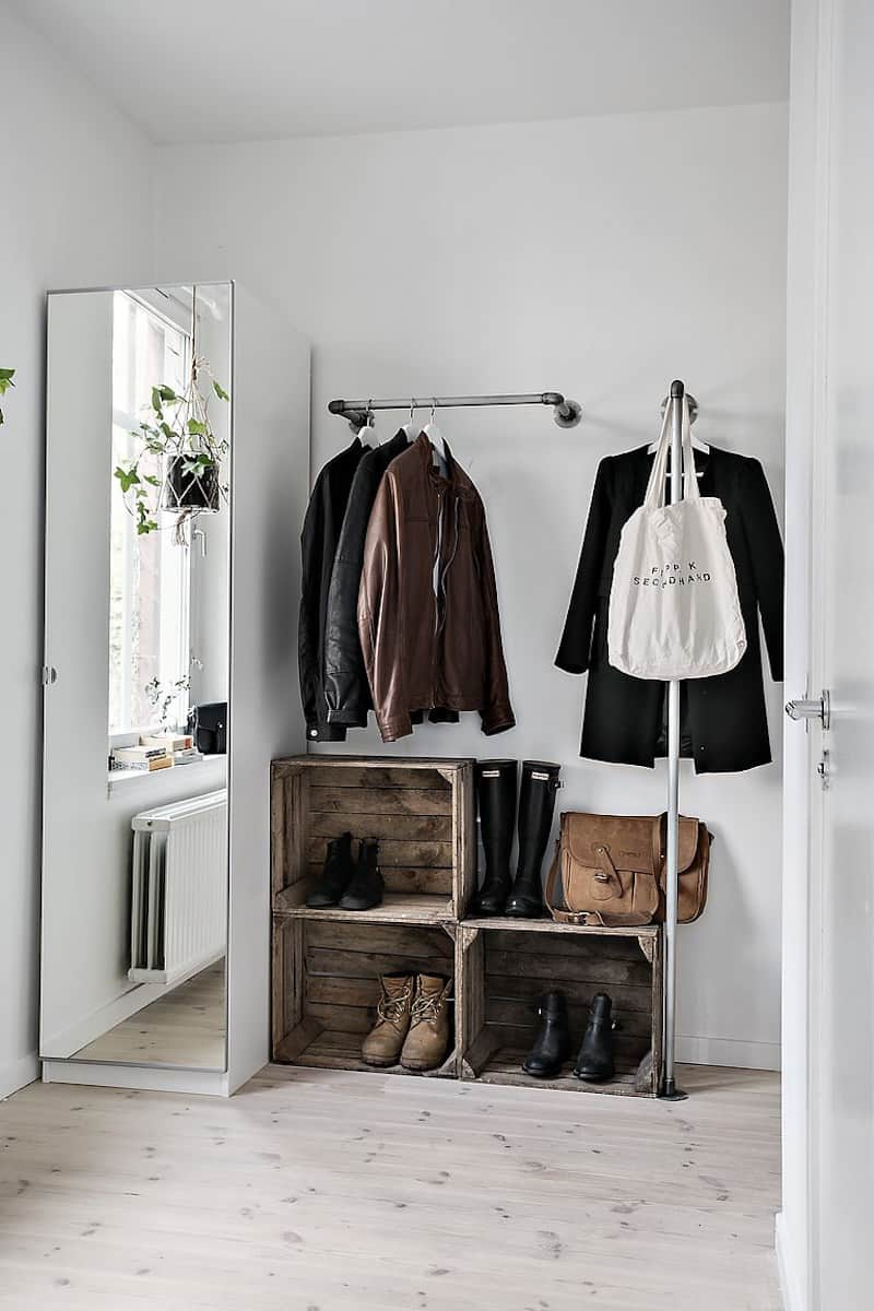 Foyer Minimalist Jewelry : Open closet ideas for small spaces